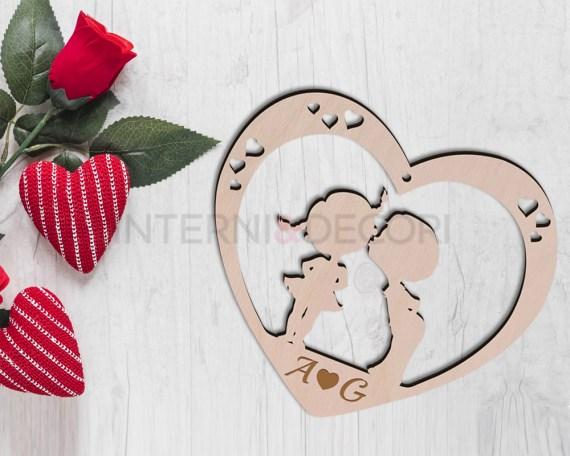 Decorazioni in laser legno-cuore in legno amore-bacio di bimbi
