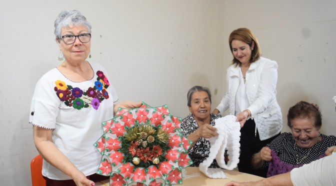 TALLER DE TEJIDOS REALIZA MANUALIDADES ALUSIVAS A LA ÉPOCA NAVIDEÑA EN GENERAL TERÁN