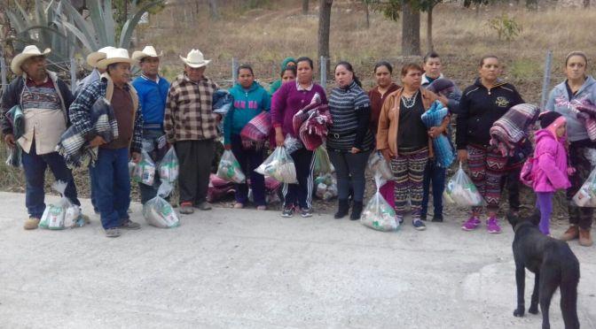 ENTREGAN APOYOS EN COMUNIDADES.