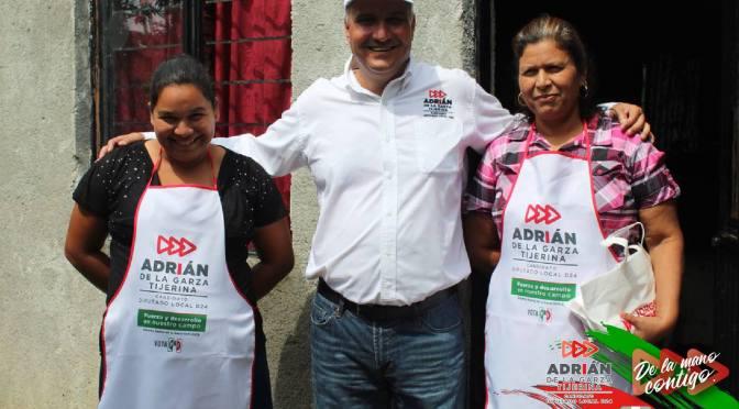 RECORRE ADRIÁN DE LA GARZA HUALAHUISES EN COMPAÑÍA DEL CANDIDATO DEL PRI.