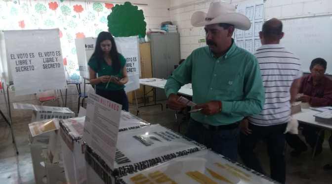 VOTA ERNESTO QUINTANILLA CANDIDATO A LA ALCALDÍA DE CADEREYTA