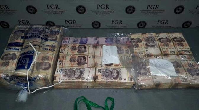 CAEN 2 CON MÁS DE $ 3 MILLONES EN AEROPUERTO DE MONTERREY.