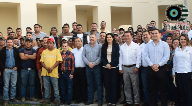 ALCALDESA PATRICIA SALAZAR RECIBE PALACIO MUNICIPAL EN ALLENDE N.L.