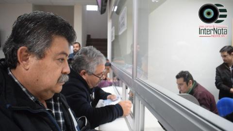 ACUDE ING. JAVIER CABALLERO GAONA ALCALDE DEL MUNICIPIO DE SANTIAGO A REALIZAR EL PAGO DEL IMPUESTO PREDIAL.