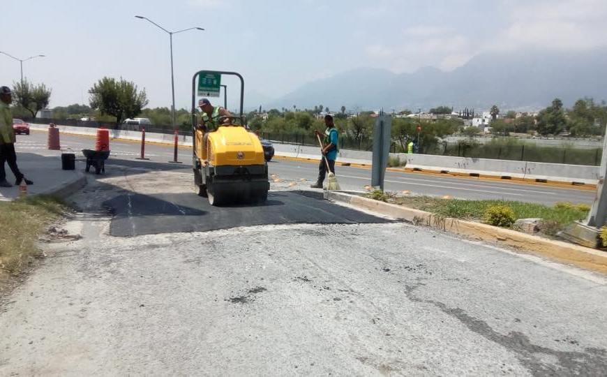CONTINÚAN CON OBRAS DE BACHEO EN DISTINTOS PUNTOS DEL MUNICIPIO DE GUADALUPE N.L.