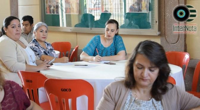 LLEVAN A CABO REUNIÓN CON MAESTROS Y DIRECTIVOS DE PLANTELES EDUCATIVOS PARA PREPARASE CON LOS PRÓXIMOS EVENTOS DEL MES DE SEPTIEMBRE EN GRAL. TERÁN, N.L.