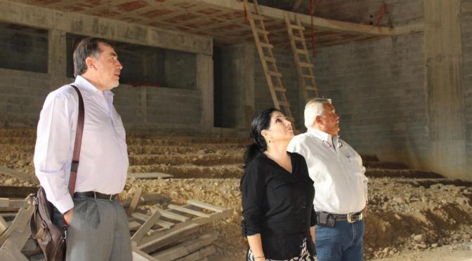 ALCALDESA BUSCA CONCLUIR CONSTRUCCIÓN DEL TEATRO DE LA CIUDAD.