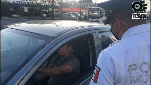 RESTRINGEN ACCESO AL MUNICIPIO A TODO AQUEL QUE NO LLEVE CUBREBOCAS.