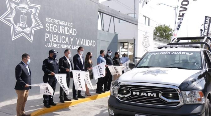 PRESENTA JUÁREZ AVANCES DE REMODELACIÓN DE INSTALACIONES DEL C4 Y ENTREGAN 20 NUEVAS PATRULLASEl