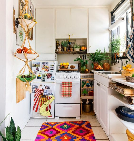 Check out this studio apartment decor!