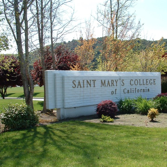 These are the true signs you go to Saint Mary's College of California!