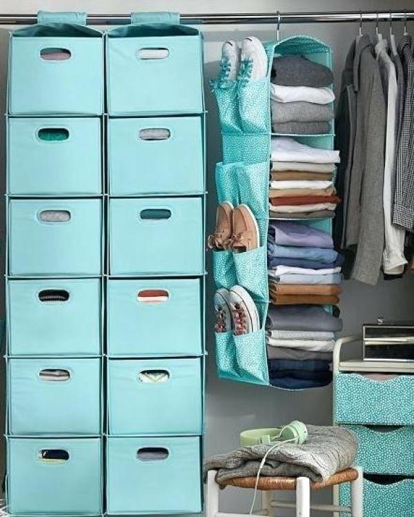 DIY Dorm Closet Organization
