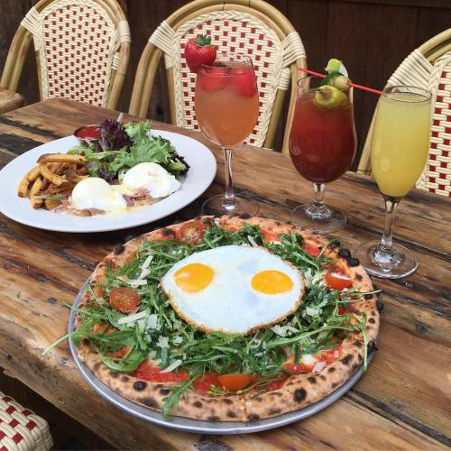 10 Amazing Food Places in New York City