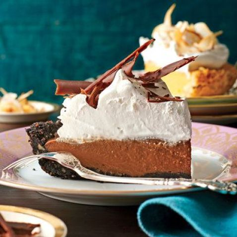 10 Delicious Thanksgiving Desserts To Make This Year