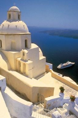 Seabourn_Pride_Spirit_Legend_in_Santorini_Greece