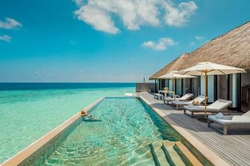 Nada como relaxar na piscina observando as magníficas paisagens.