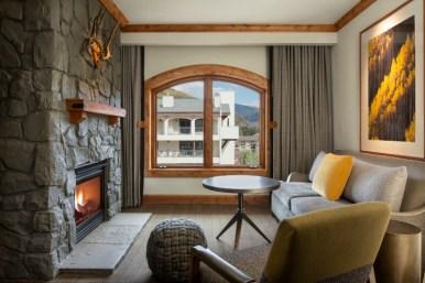 Junior Timberline Suite Living Space