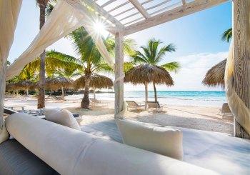 Eden-Roc-Beach-Club_Beach-Bed_8107