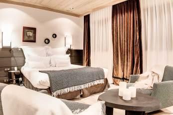 LaSivoliere-Connecting-Superior-Rooms-(5)