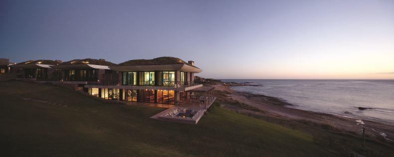 1. Playa Vik - Casa Mar, Casa Ebano & Casa Raices side view