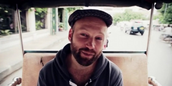 Simon Klose no vídeo da campanha do KickStarter