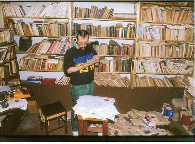 Biblioteca de Leminski, fotografada sem produção prévia. Foto : Carlos Roberto Zanello de Aguiar (Macaxeira).