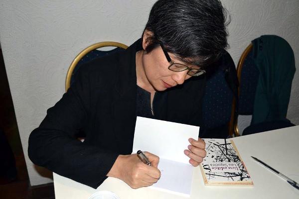 poeta Marília Kubota