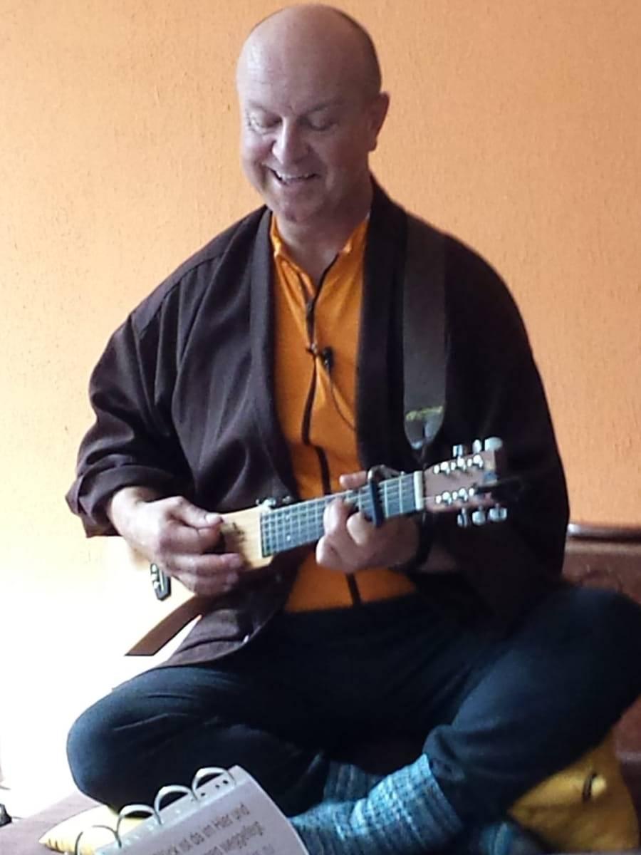 Arno Gitarre