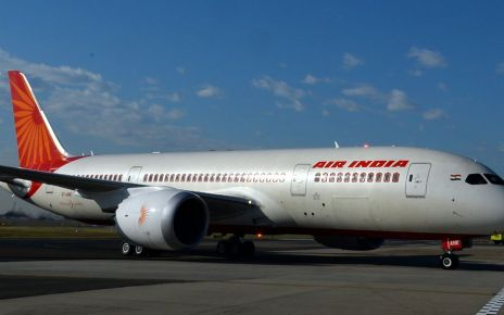 95289081 gettyimages 178358042 - Major Indian airlines ban MP who beat official