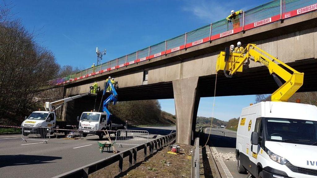 95308652 c7srbzhxqauksag - M6 closed in Staffordshire due to 'unsafe' bridge