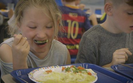 97274411 p05byw6g - Children given free meals in school holidays