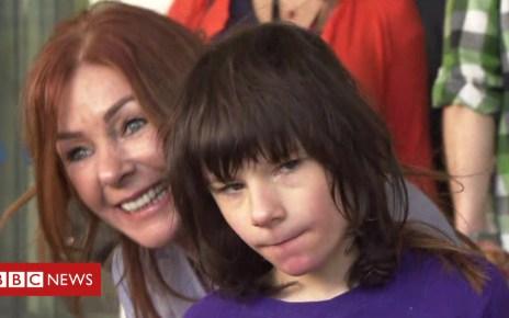 102095627 billycaldwell - Billy Caldwell: Emergency medicine licence enables boy to return to NI