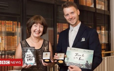 102096717 cilipckgwinnersgeraldinemccaughreansydneysmith britishlibrarykatariinajarvinen - Geraldine McCaughrean ends 30-year Carnegie Medal wait