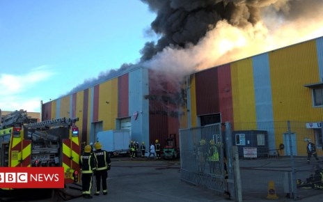 102172142 dgwnbvexcaeemfh - Dozens of firefighters at warehouse blaze in Leyton
