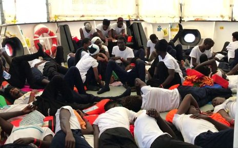 p06b5862 - Spain prepares to welcome disputed Aquarius migrants