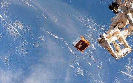 p06c36sf - RemoveDebris: Mission to clear a huge mess above Earth