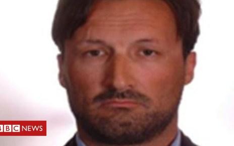 102307957 markacklom - 'MI6 conman' Mark Acklom appears in court