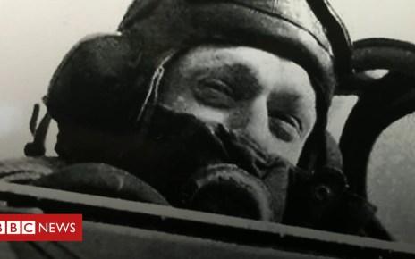 102414232 p06d1y2d - 'We were all kids': WWII pilot's memories