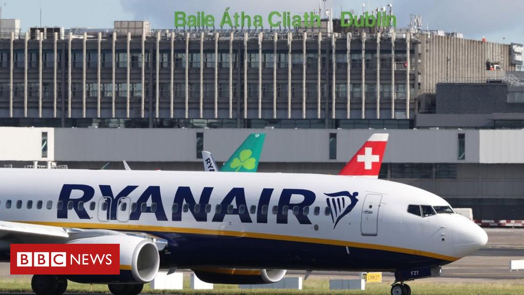 102485042 hi048054887 - Ryanair fleet cuts put 300 jobs at risk