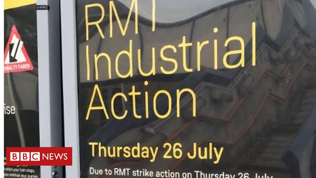102697650 mediaitem102697649 - South Western Railway guard dispute strike goes ahead
