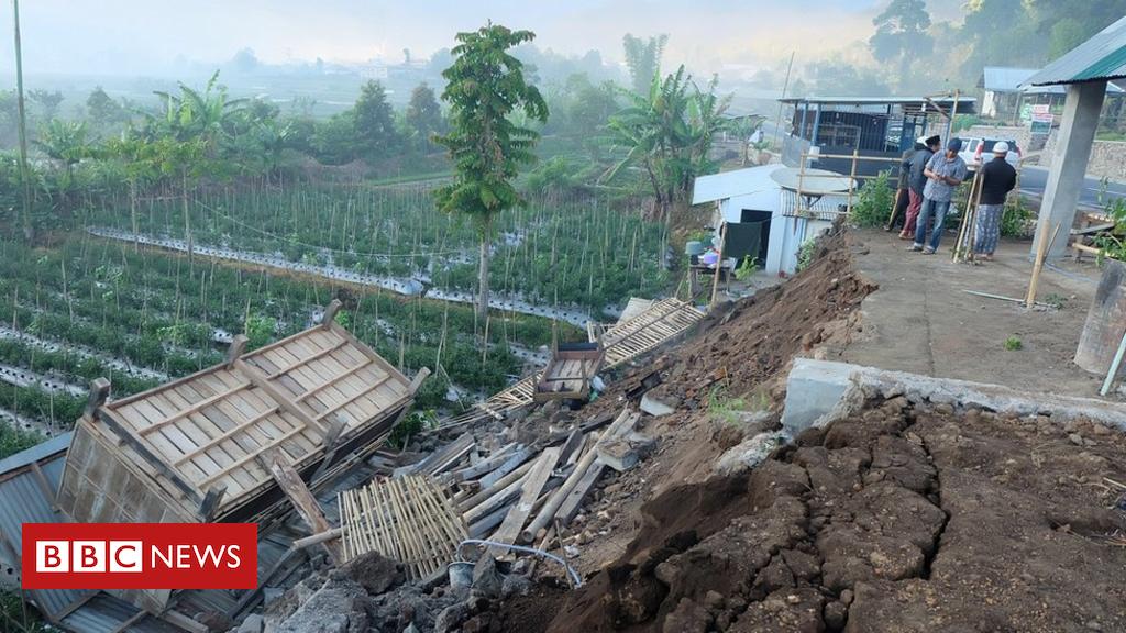 102744130 hi048399087 - Indonesia earthquake: 10 dead on tourist island Lombok