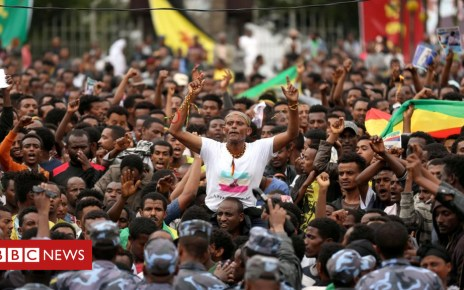 102747040 ae7356b9 9106 4c20 860d 1ce3b89075b8 - Ethiopian dam engineer Simegnew Bekele's funeral draws thousands
