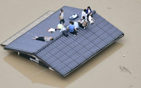 p06d5rmr - Japan floods: At least 100 dead in record rainfall