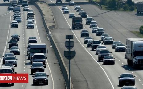102804130 hi047908348 - US eyes freeze of fuel efficiency rules