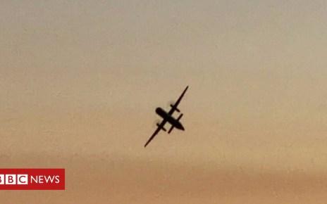 102935033 p06h62ty - Stolen plane: Footage shows aerial stunts