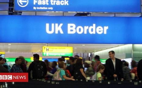102946329 hi048520301 - Heathrow Airport passport queues reach 2.5 hours