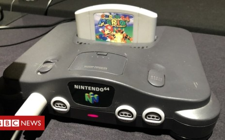 102950252 tv048653730 - Nintendo cracks down on retro games downloads