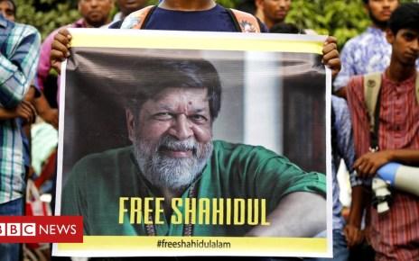 102978034 epa048614910 - Shahidul Alam: Jailed journalist's powerful photos of Bangladesh