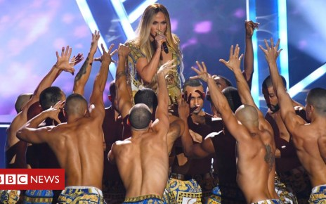 103111362 4200ee0b 12a5 47c4 ba3a 582a9b54ae47 - MTV VMAs: Ariana Grande, Nicki Minaj, Cardi B and other must-see moments