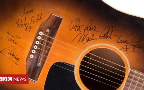 103187218 hi048857967 - Bee Gees guitar 'may fetch £10,000'